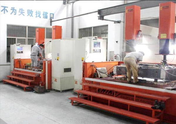 Machines d'électroérosion CNC